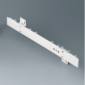 A0106270 / Panel lateral 0.5 HE, para montaje de asa - ABS (UL 94 HB) - off-white RAL 9002 - 250x22,25mm