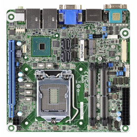WADE-8211-Q370 / Q370. LGA1151 para Intel 8ª Gen Core i3/i5/i7